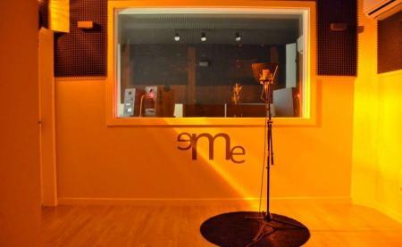 Estudio de grabación de eMe Audiovisuales 2